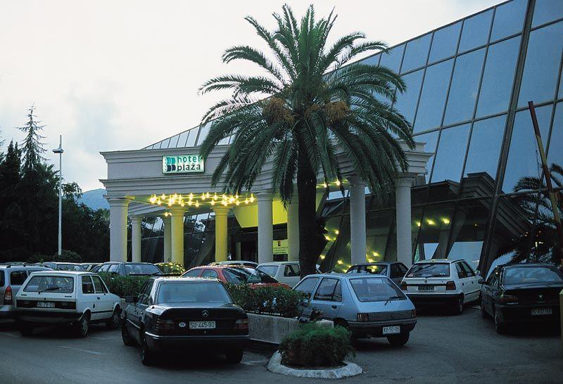 hn-plaza-1