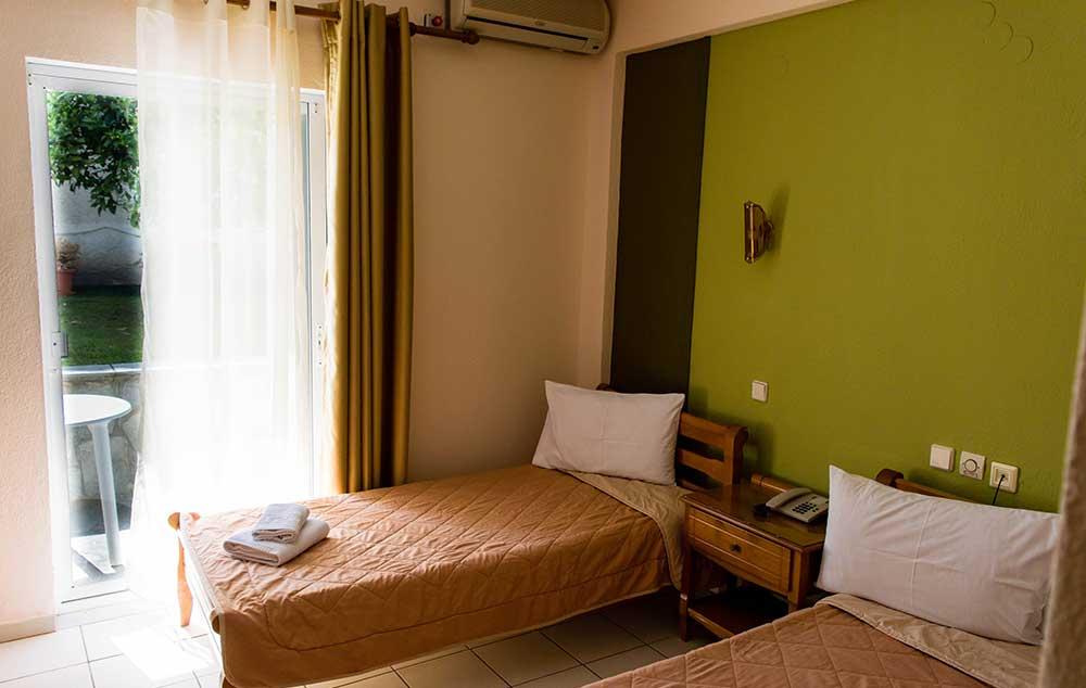 hotel-philoxenia-inn-3244-5