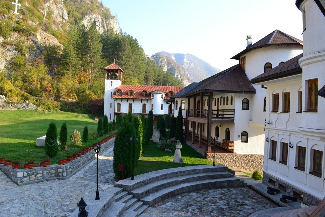 manastir-dobrun