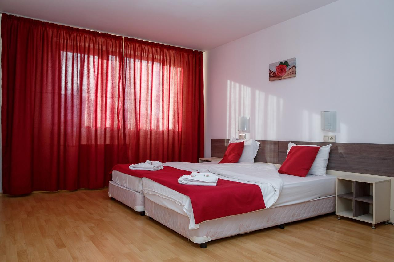 Mountain_Paradise_Hotel,_Bansko,_Bulgaria_100000105116