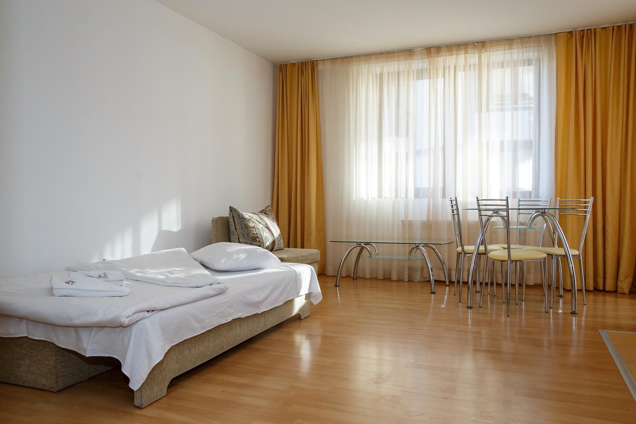 Mountain_Paradise_Hotel,_Bansko,_Bulgaria_100000105128