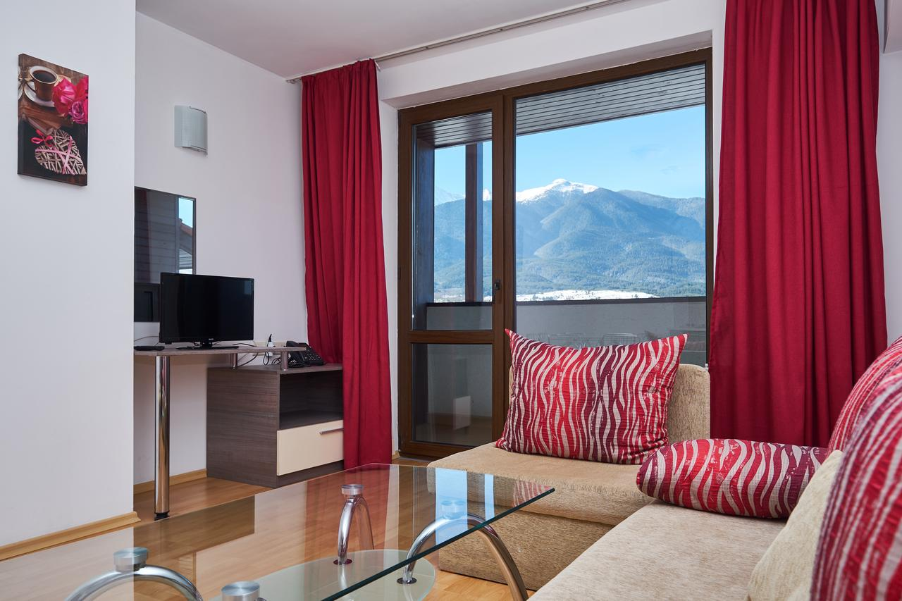 Mountain_Paradise_Hotel,_Bansko,_Bulgaria_100000105153