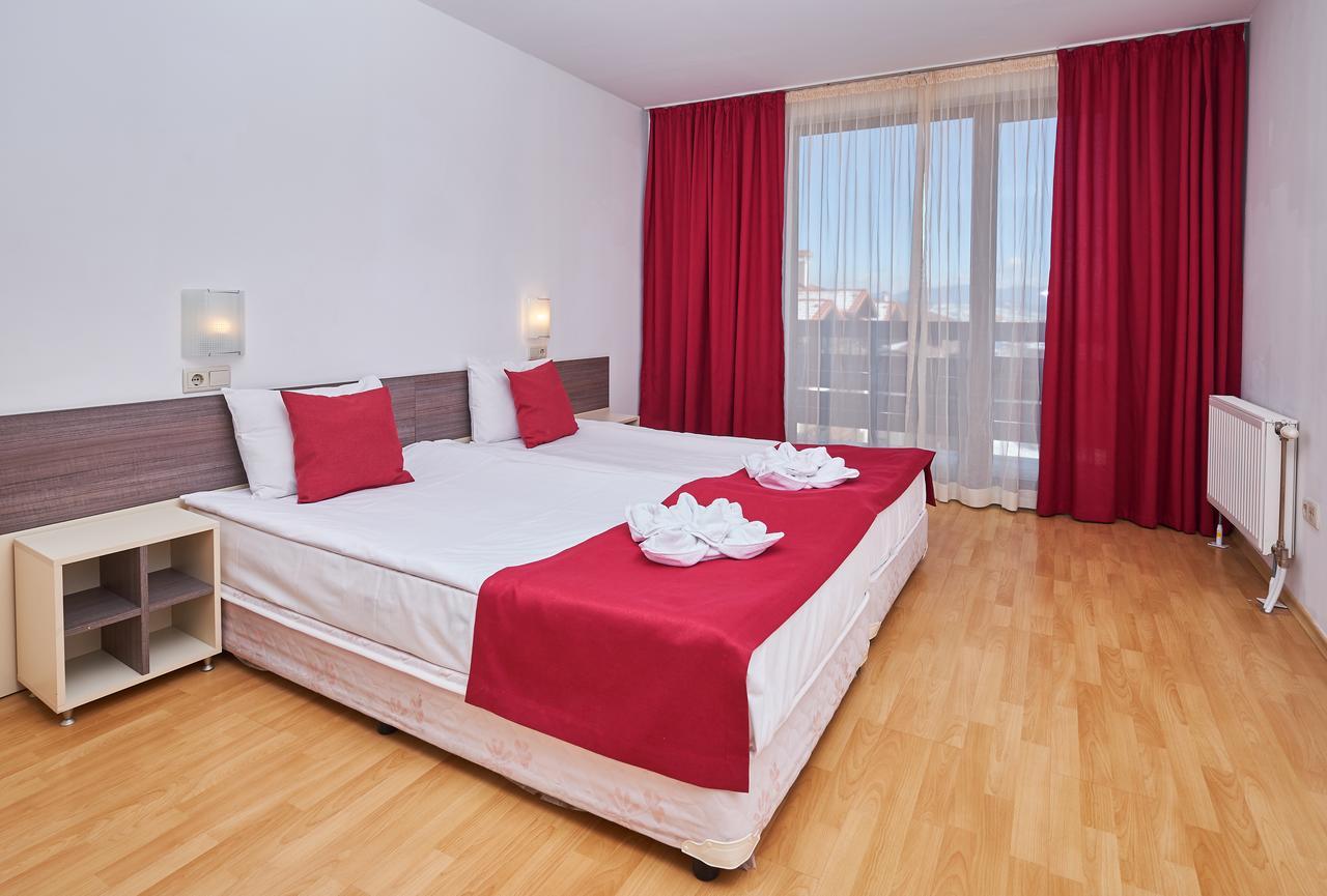 Mountain_Paradise_Hotel,_Bansko,_Bulgaria_100000105160