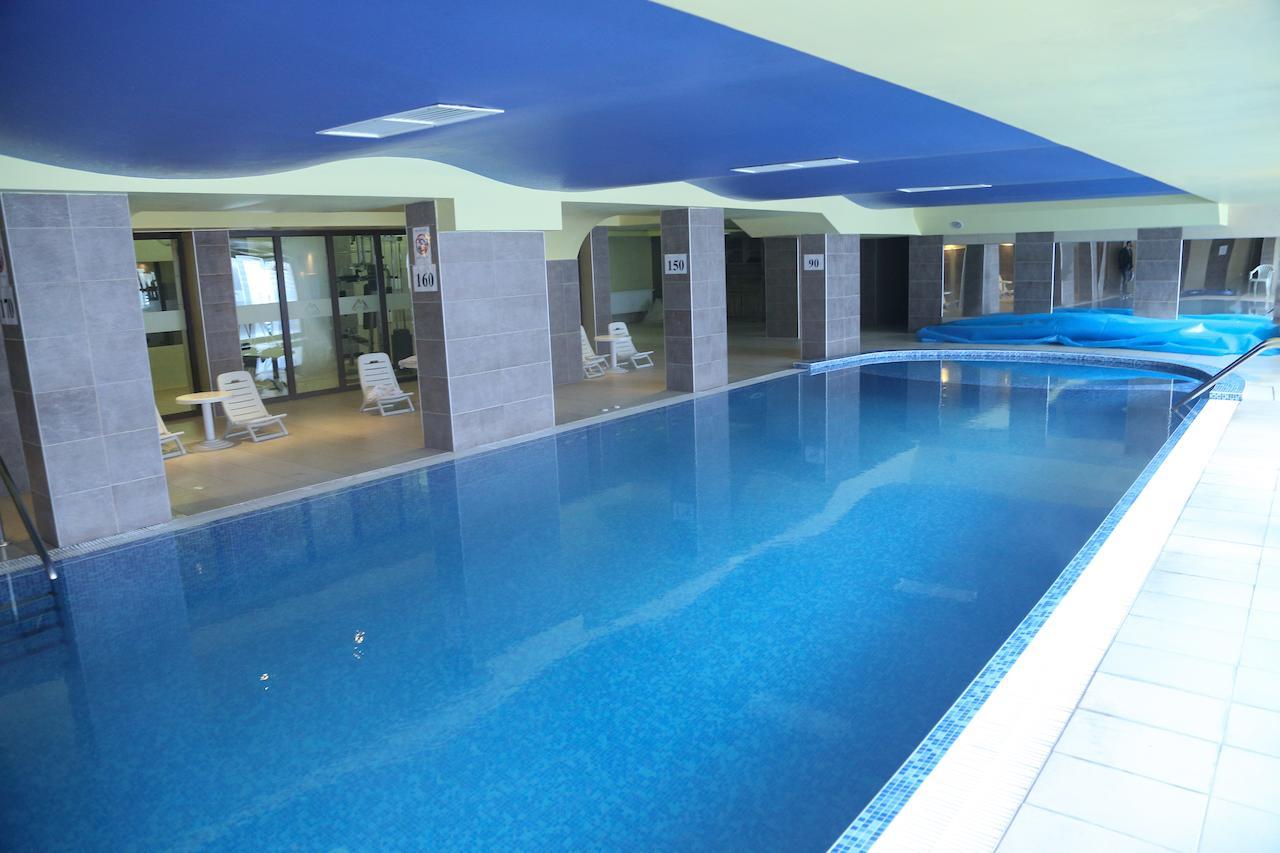 Mountain_Paradise_Hotel,_Bansko,_Bulgaria_100000105217
