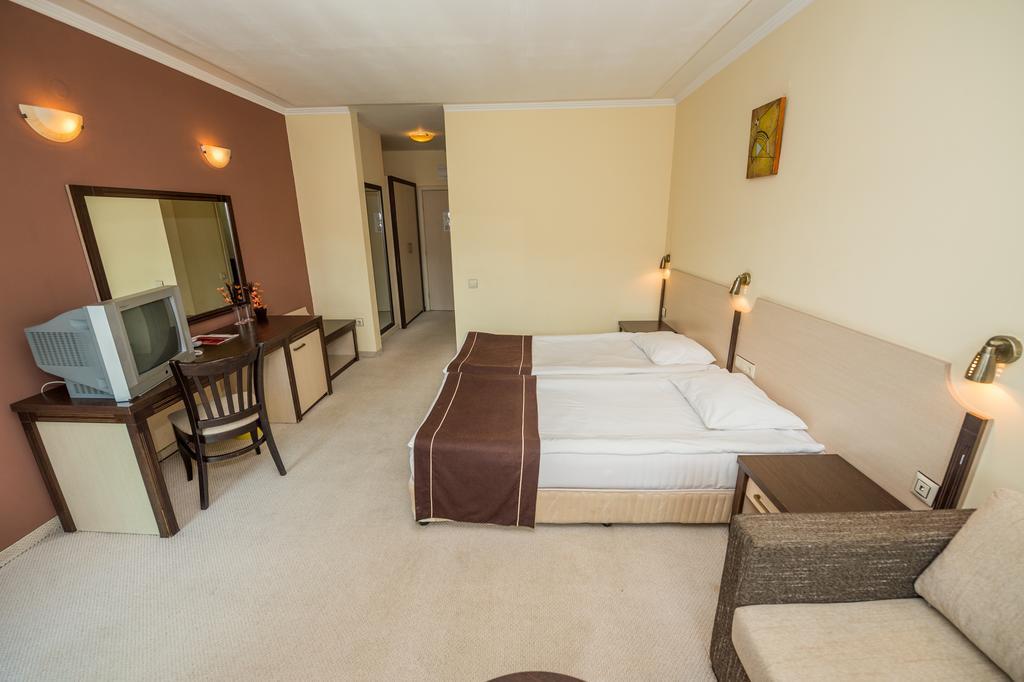 Rhodopi_Home_Hotel_Chepelare_Pamporovo_35100006010