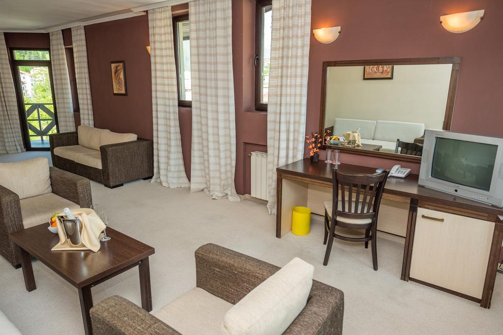 Rhodopi_Home_Hotel_Chepelare_Pamporovo_35100006025